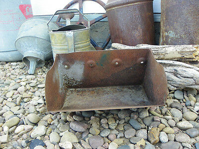 Antique Vintage Metal Farm Grain Elevator Feed Bucket Scoop Primitive Decor!