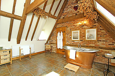 4 Nights, 5 Star Luxury, Relaxing & Romantic S/C Cottage, 31st Jul - 4th Aug