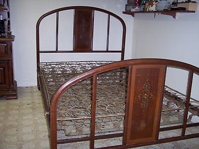 Antique Metal Bed With Springs