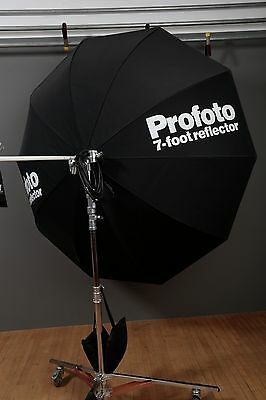 Profoto 7 Foot Chrome Reflector with Avenger Mount
