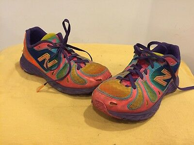 NEW BALANCE 890 V3 Girls Size 2.5Y Pink Shoes