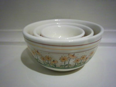 Boyds bears Mini 3 Nesting Bowl set with Yellow Flowers