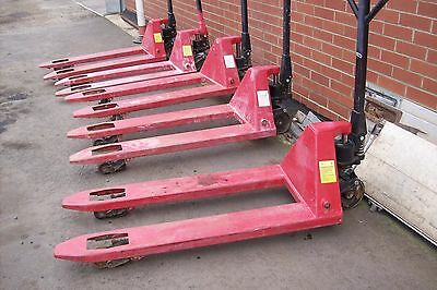 Pallet Truck Hand Hydraulic 2500 Kg 2014-2015 Good Used Condition