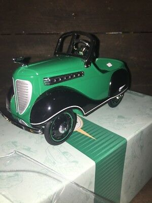 Hallmark Kiddie Car Classics NIB 1937 Steelcraft Junior Streamliner QHG9047
