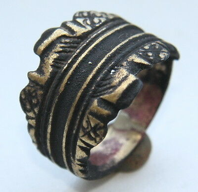 Ancient Medieval Bronze Finger Ring (AVG77)