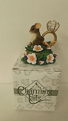 Charming Tails Love Expressions Lidded Ring Box 93/211 MIB Trinket Box