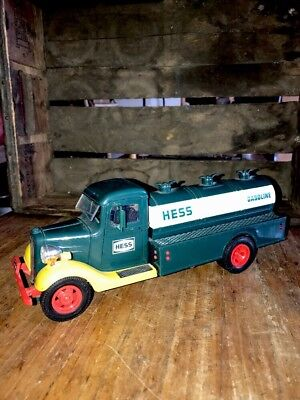Vintage 1980 Amerada Hess Toy Truck Bank  Please Check All Photos Excellent Con.