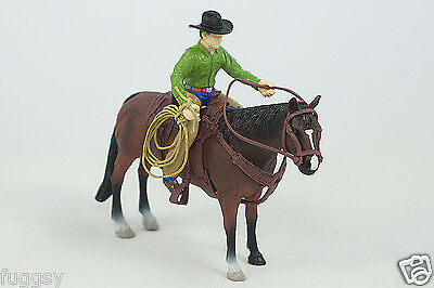 Big Country Toys Rodeo Roper Cowboy horse, saddle rope tack 1:20 Scale 407 NEW