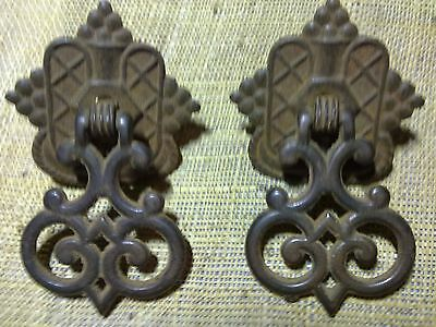 Edwardian cast iron drop handles x 2, antique or vintage (SA6)
