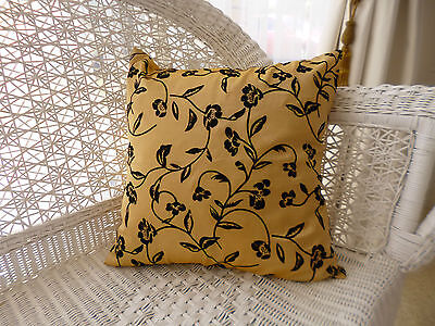 "Gold and Black Cushion Cover ""New"""
