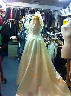 "Wedding dress 40"" bust . Excellent condition."