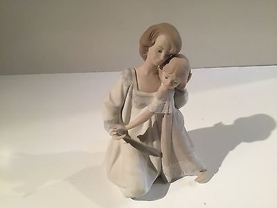 Lladro Good Night Mother and Daughter Figurine Matte Finish 5449