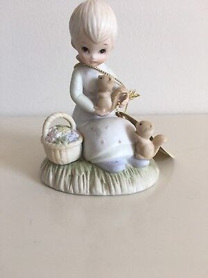 Lefton Porcelain Girl With Squirrel Vintage 1982
