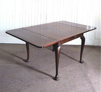 Antique style vintage Queen Anne draw leaf extending dining table