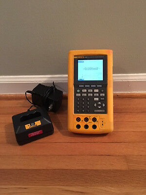 Fluke 743B Documenting Process Calibrator with Battery and Charger.