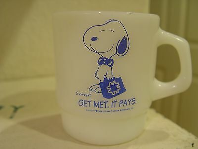 Fire-King Peanuts Snoopy Get MET Life Insurance It Pays Advertising Coffee Mug