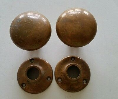 Pair Heavy Solid Brass Yale Door Knobs W/ Backplates  (950)