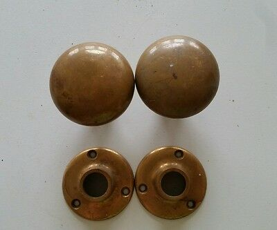 Pair Heavy Solid Brass Yale Door Knobs W/ Backplates  (948)