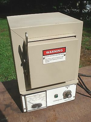 THERMOLYNE 1400 Oven MODEL F B1415M Furnace