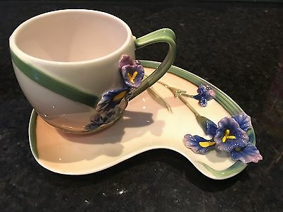 BRAND NEW Vintage FLORALIS porcelain floral cup saucer set with box Lily