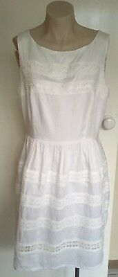 Review White Dress With Lace Stripes, Size 14