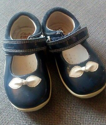 Clarks First Shoes navy with bow size 4G