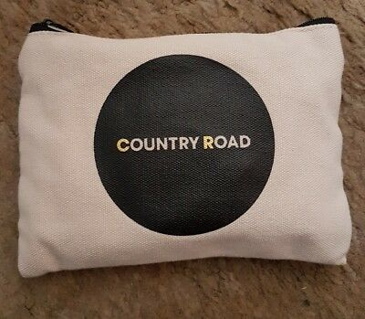 Country Road Travel Accessory