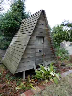 CUBBY HOUSE – PINE TIMBER CUBBY HOUSE / CHICKEN COOP, 9h