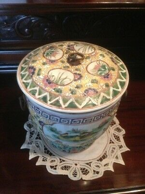 Rare Antique Large Chinese Porcelain Famille Rose Pot Signed (No: 2)