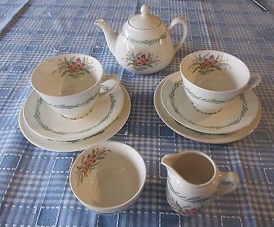 10 Pc Set Royal Doulton Fairfield D6339 Tea Pot Cup Saucer Sugar Creamer Plates