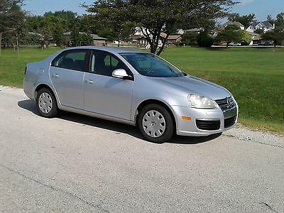 2006 Volkswagen Jetta  NO RESERVE-RUNS & LOOKS GREAT-2.5L w/5 SPEED-NICE CAR/NICE PRICE/NO RESERVE!!!