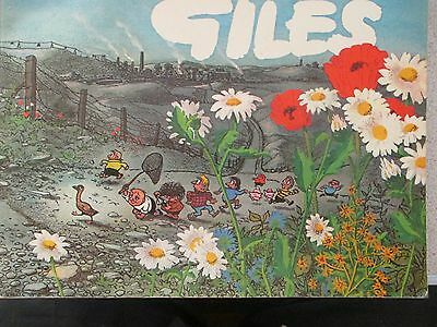 GILES COMIC BOOK (DAILY EXPRESS PUBLICATION) No.25. 1971  ,UNCLIPPED
