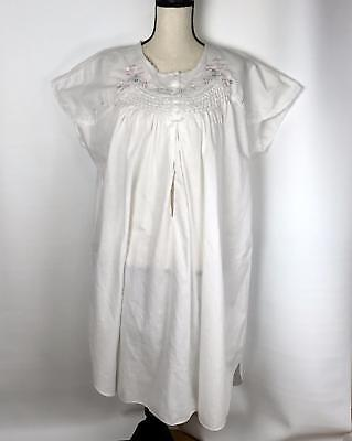 Tomorrow's Mother Size Medium White Embroidered Cotton Maternity Nightgown Spots