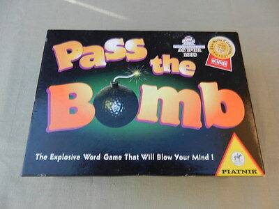 PASS THE BOMB Vintage BOARD GAME 1994
