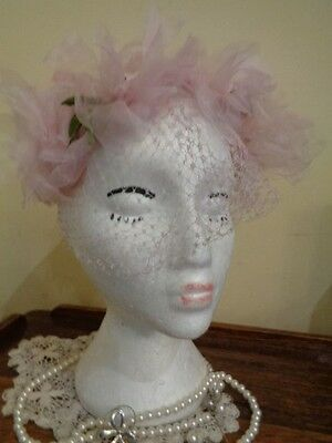 VINTAGE 1950's BRIDAL/COCKTAIL HAT BY COLMAN SOFT PINK WITH ORGANZA FLOWERS