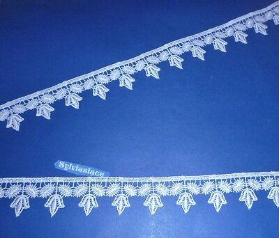 2.80   metres    Of    White    Guipure  Lace     3 cm   Wide