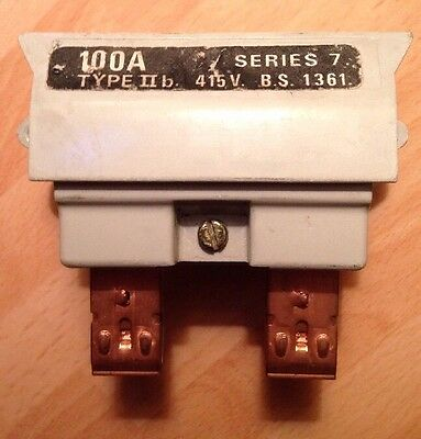 HENLEY SERIES 7 11b 100A FUSE & CARRIER SP DOMESTIC HOUSE SERVICE UNIT