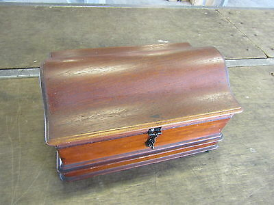 Lovely Mahogany Domed Lid Mahogany Box In Lovely Design And Condition