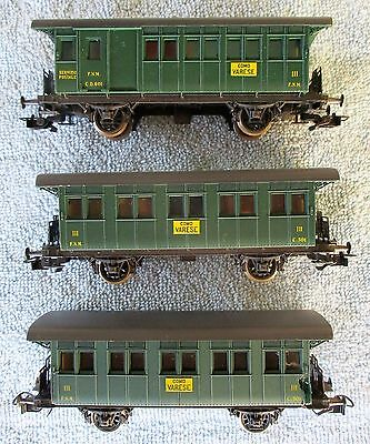 3 x Italian 4 Wheel Passenger Carriages of the Ferrovie Nord Milano by Rivarossi