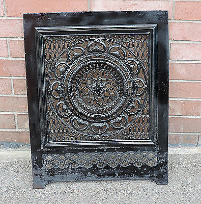 ANTIQUE CAST IRON ORNATE FIREPLACE COVER FRONT 26 x 20.5