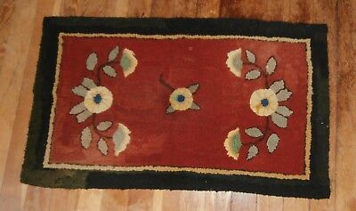 Primitive Antique American Hand Made Hooked Rectangular Throw Rug Wool Burlap
