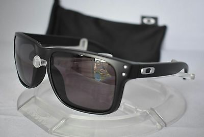 Oakley Men's Holbrook Sunglasses Polarized Silver Mirrored Lens Matt Frame