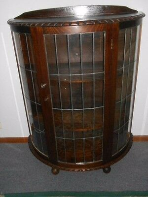A Antique china cabinet