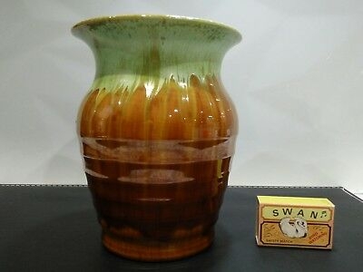 Stunning Remued Australian pottery vase in superb condition