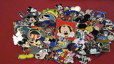 Disney Trading Pins_25 Pin Lot_Great Selection_Free Shipping_No Doubles_D7