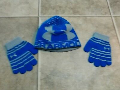 Boy's Under Armour winter hat and gloves size 4 to 7 years old