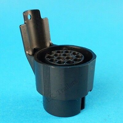 Professional Grade Adaptor Converter 13 Pin Plug to a 7 Pin 12N Socket Trailer