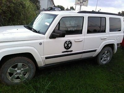 2007 Jeep Commander  jeep commander (4x4) 2007 for parts