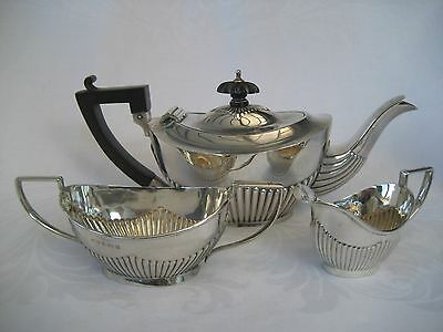 EDWARDIAN SOLID SILVER BACHELOR TEASET - Wm. Devenport, 1903.