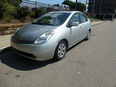 2005 Toyota Prius Package # 6 2005 Prius with Navigation and JBL Sound